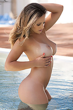 Bikini Joice Brum
