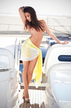 Yacht Naked Fun