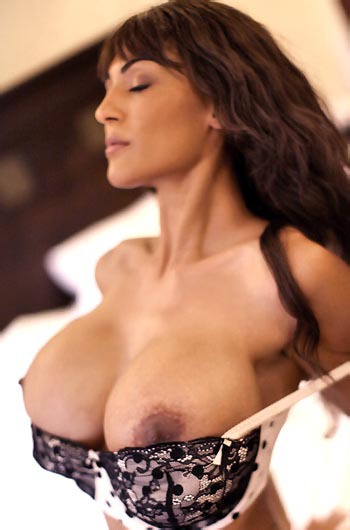 Fernanda Ferrari Shows Her Amazing Tits