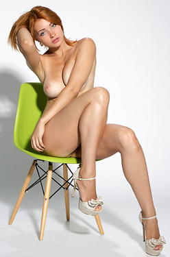 Kika Nude In The Studio